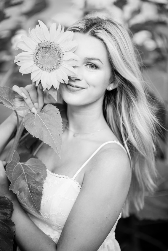 Cedartown Senior Portraits Sunflowers Atlanta-41